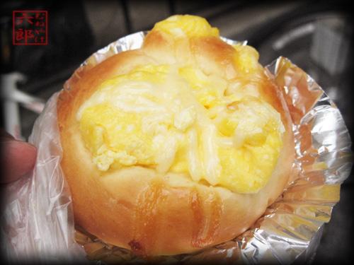 あひるのパン屋さん 玉子パン.jpg