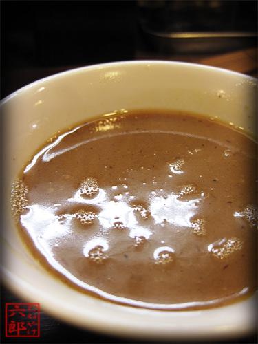 兎に角 油そば 割スープ.jpg